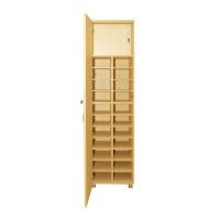 22 armoire de test avec des étagères
