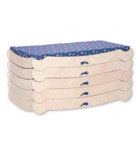 سرير خشبي تكويم